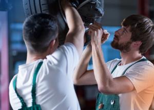 Como reduzir a rotatividade de funcionários na sua oficina mecânica?